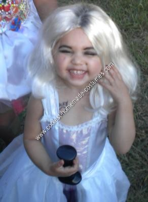 Bride of Chucky Costume Ideas http://www.coolest-homemade-costumes.com/coolest-bride-of-chucky-diy-toddler-halloween-costume-idea-10.html