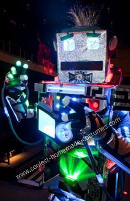DIY Robot Halloween Costume
