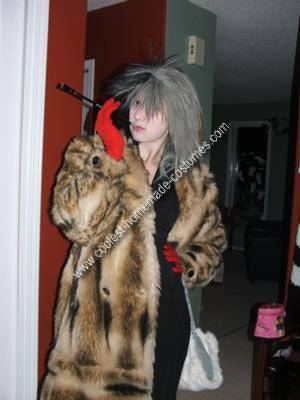 Homemade Cruella DeVille Costume Idea