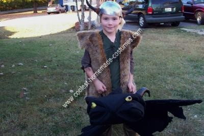 Homemade Hiccup and Toothless Costume from How to Train Your Dragon
