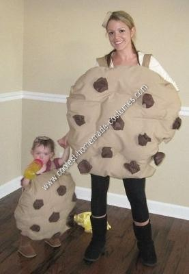 Homemade Mom and Baby Cookies Halloween Costume Idea