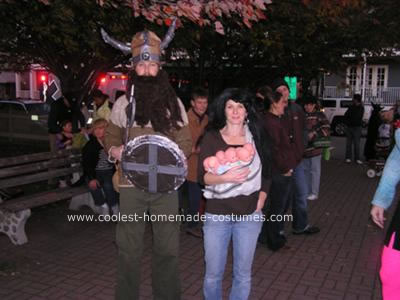 Homemade Octomom and Sperm Donor Couple Costume