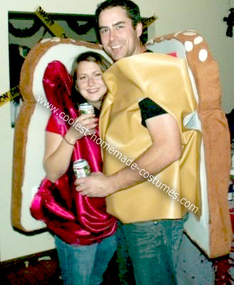 Homemade Peanut Butter and Jam Halloween Couple Costume