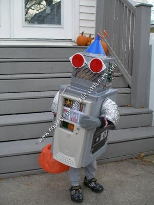 Homemade Robot Halloween Costume Idea