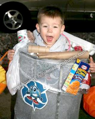 coolest-homemade-trash-man-costume-5-21162753.jpg