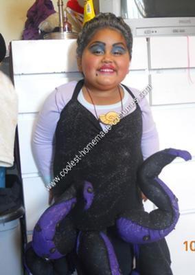 Ursula Halloween Costu...