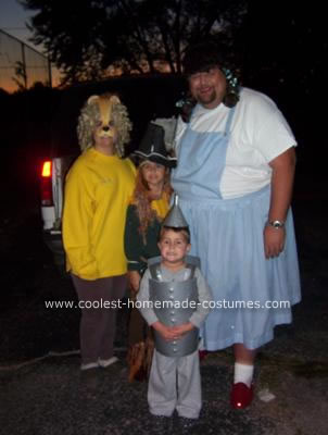 Coolest Wizard of Oz Group Costume 13Wizard Of Oz Homemade Costumes
