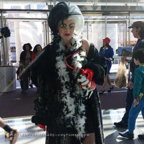 Cruella De Vil Costume - Just Like the Cartoon