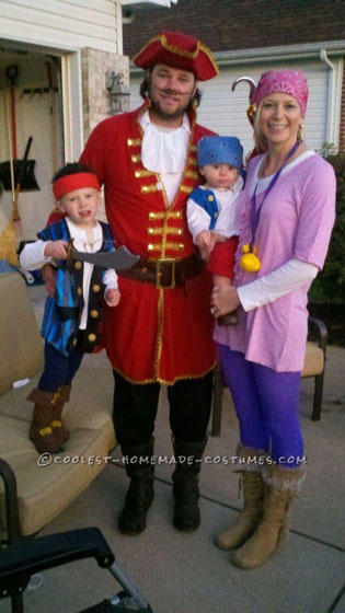 Coolest Jake and the Neverland Pirates Family Costume