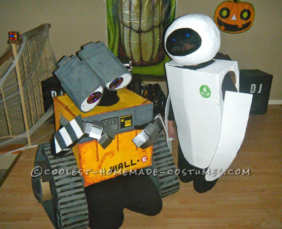 Wall-E and Eve Couple Costumes